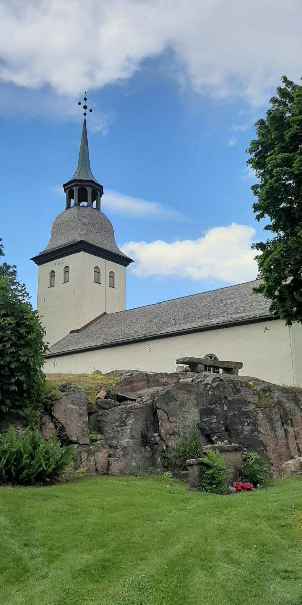 Kila kyrka sett från Harefjorden